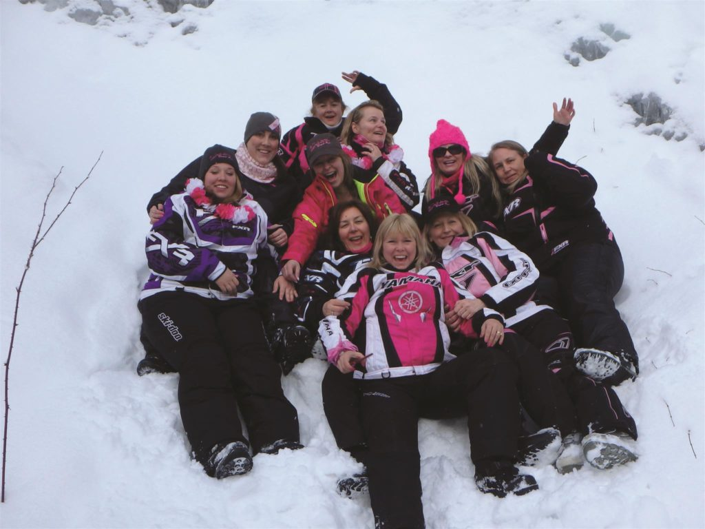 KELLY SHIRES BREAST CANCER SNOW RUN